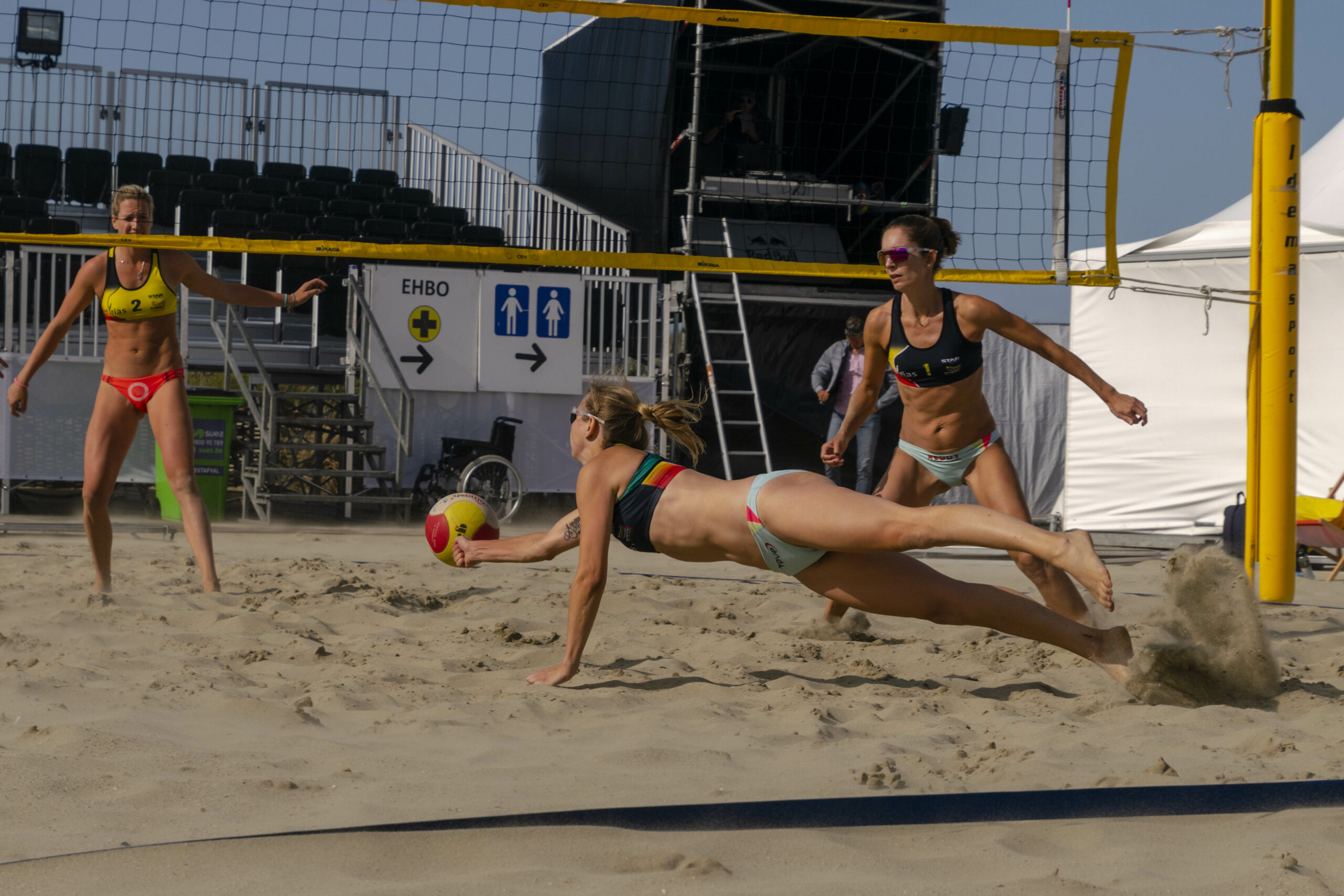 Beach-volley-8-scaled.jpg